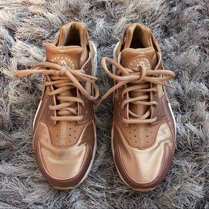 Nike rose gold huaraches